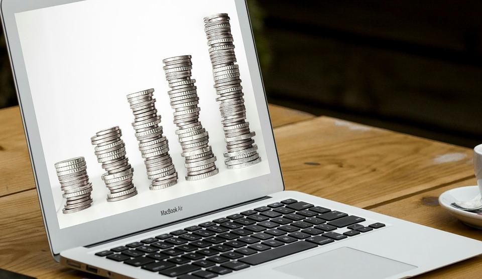 mince na monitoru